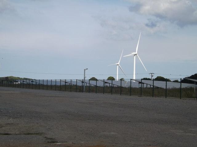 Wind Turbines & Solar Panels at Upper Holton Wind & Solar Farm