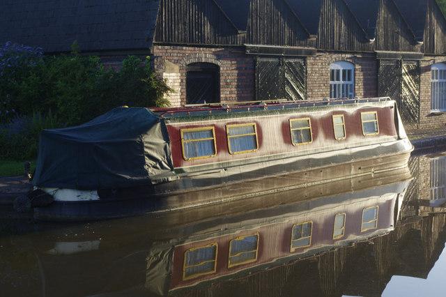 Narrowboat at Tardebigge