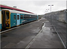 SS6593 : Shrewsbury train at Swansea railway station by Jaggery