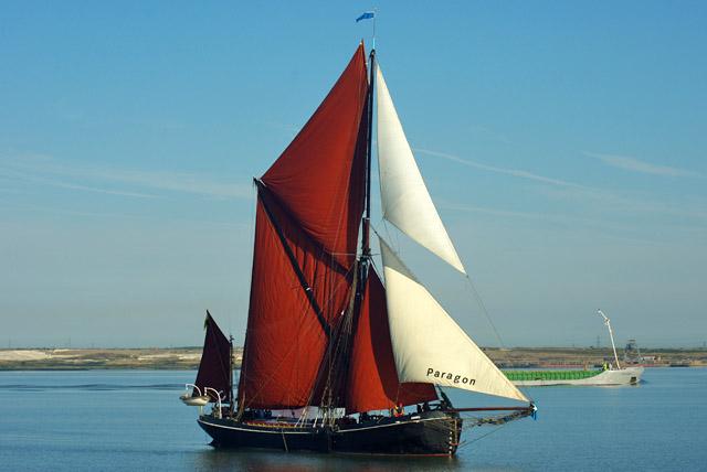 'Adieu' at start of 2015 Thames Barge Match