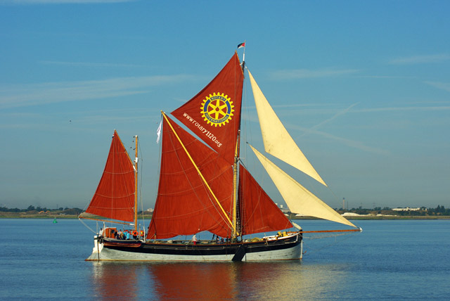 'Cambria' at start of 2015 Thames Barge Match