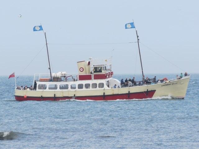 "Pleasure  boat  ""Yorkshire  Belle""  off  Selwicks  Bay"