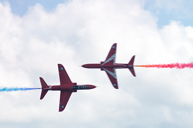 Bournemouth Air Festival 2015 - the Red Arrows Synchro Pair