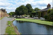TQ1479 : Cottage next to Hanwell Lock No 93 by Mat Fascione