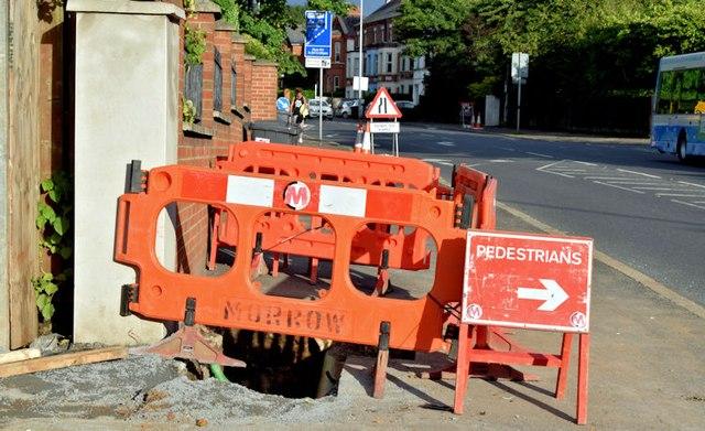 EWAY works, Upper Newtownards Road, Belfast - August 2015(4)
