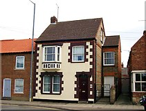 TF0920 : Town house in North Street, Bourne, Lincolnshire by Rex Needle