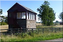 NT9629 : Signal Cabin at Bendor Crossing by Russel Wills