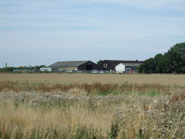 Crop field towards Brookside Farm