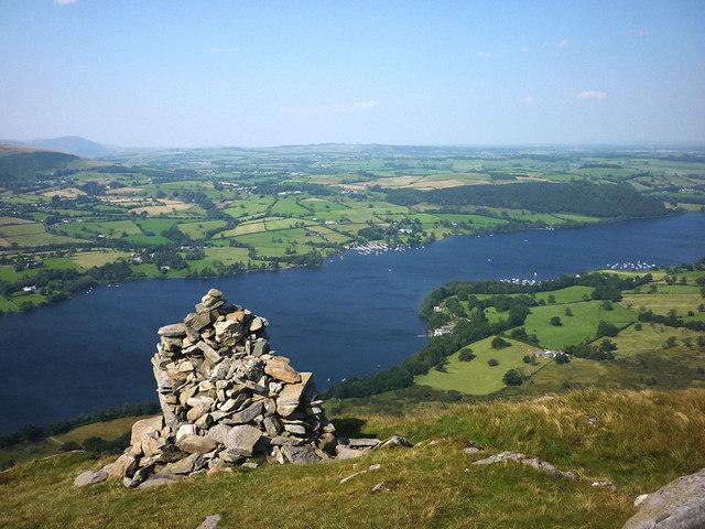Cairn overlooking Ullswater, Arthur's Pike