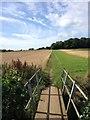 TL0941 : Footpath near Haynes by Dave Thompson