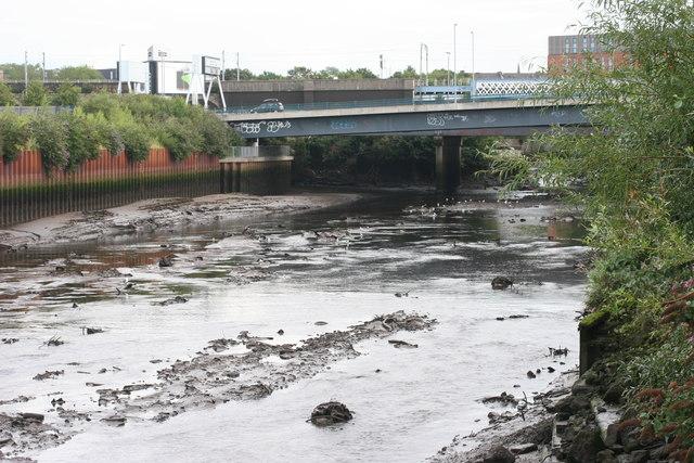 Low water, River Kelvin