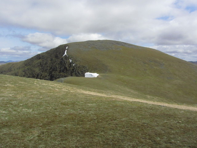 Heading towards Beinn a' Chreachain from Meall Buidhe