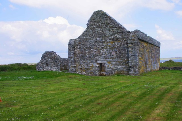 Scattery Island (Inis Cathaig), Co. Clare (12) - St. Senan's Oratory & Teampall Naomh Mhuire Cathedral