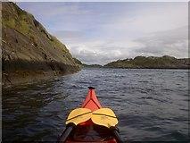 NR7185 : Channel between Eilean nan Coinean and Eilean Fraoich by Iain James