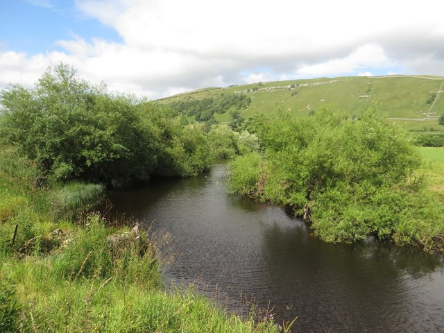Looking upstream along the River Wharfe