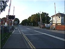 SK7954 : Level crossing near Newark Castle Railway Station by JThomas