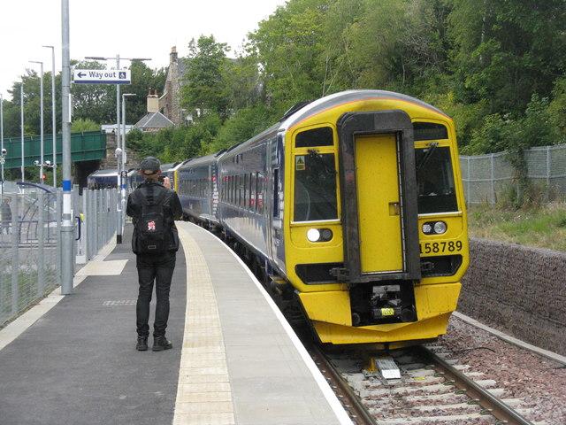 Train approaching Gorebridge Station