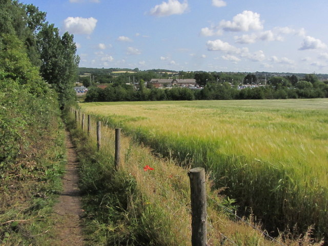 Path leading down to Manningtree Station from Lawford Church