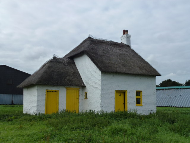 Thatched cottage at Knarr Farm, Thorney Toll - Photo 3