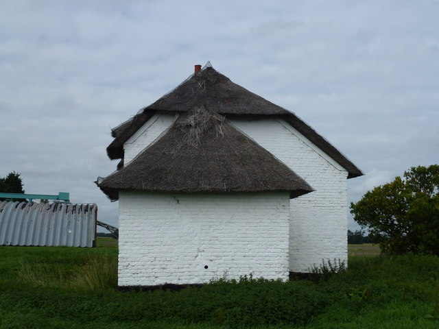 Thatched cottage at Knarr Farm, Thorney Toll - Photo 4
