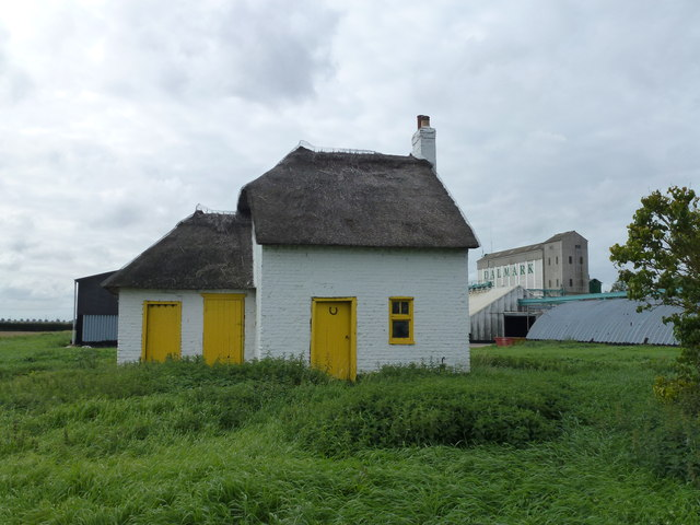 Thatched cottage at Knarr Farm, Thorney Toll - Photo 9