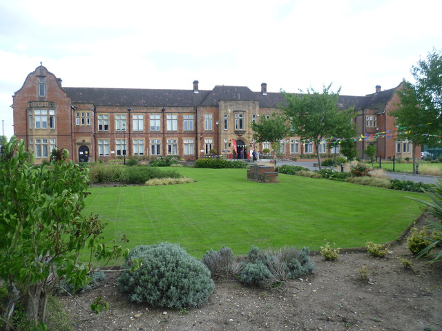 Sir George Monoux College, Chingford Road