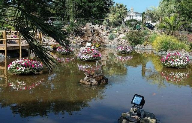 Ornamental pond, Abbey Park, Torquay