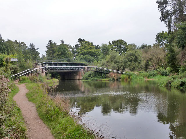 Junction of River Wey Navigation and Basingstoke Canal