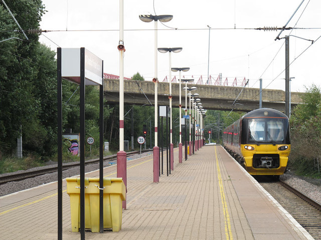 Bradford Forster Square: Skipton train