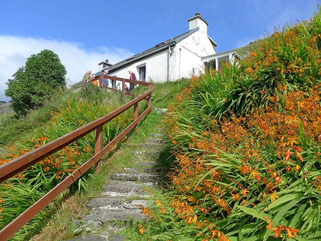 Path to the entrance to Rhenigidale Hostel
