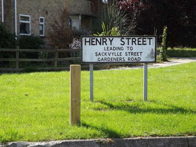 Henry Street sign