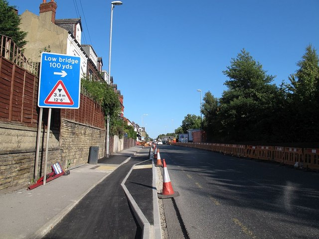 Floating bus stop on Stanningley Road (1)