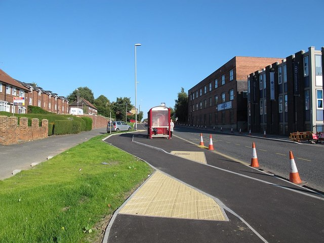 Floating bus stop on Stanningley Road (2)