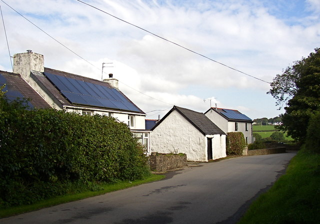 Cottages south of Rinaston