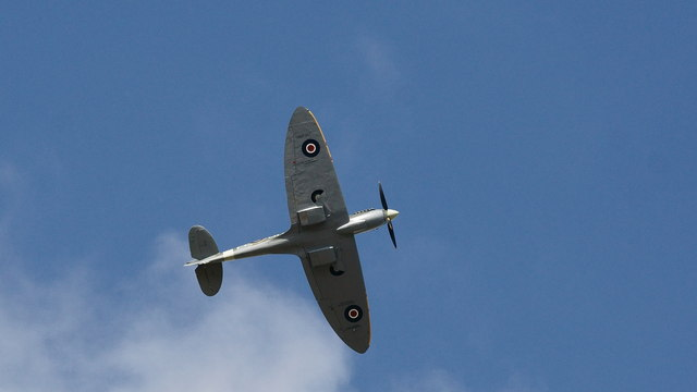 Battle of Britain: Historic flypast for 75th anniversary