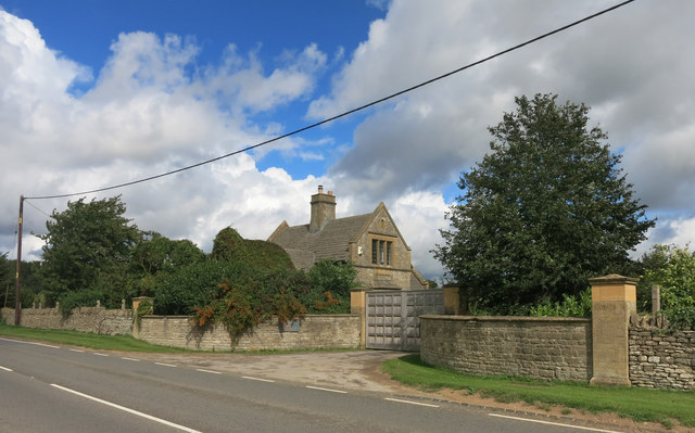 Gates to Caversfield House