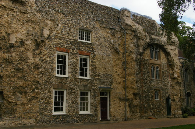 Bury St Edmunds: houses embedded in the abbey ruins
