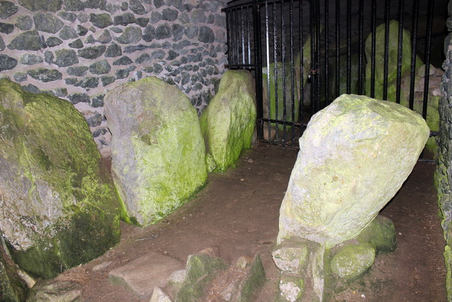 Barclodiad y Gawres Burial Chamber, Anglesey