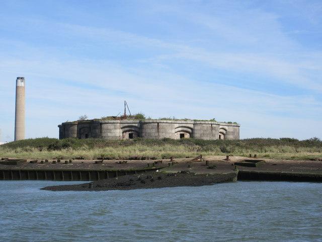 Fort Darnet and Kingsnorth Power Station chimney