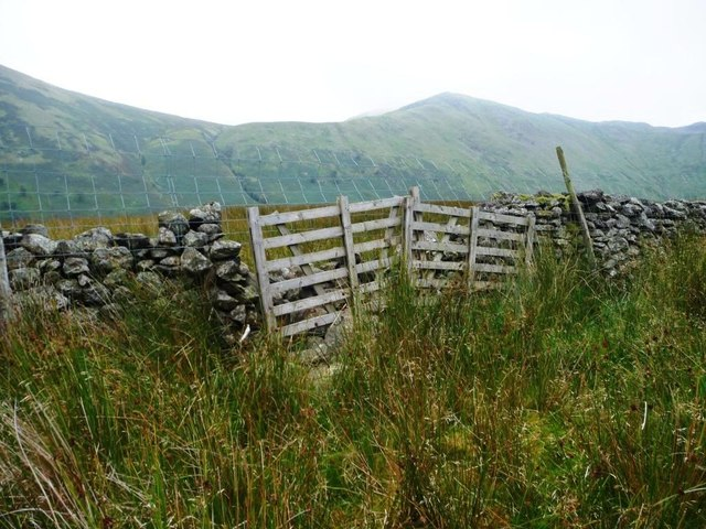 Cheaply-repaired drystone wall, Bannerdale
