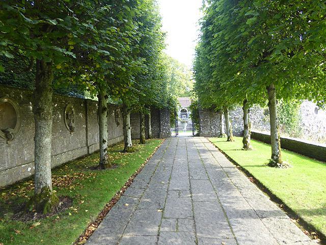 The Pleached Walk, Heywood Estate