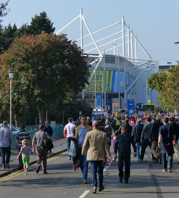 Crowds outside the King Power Stadium