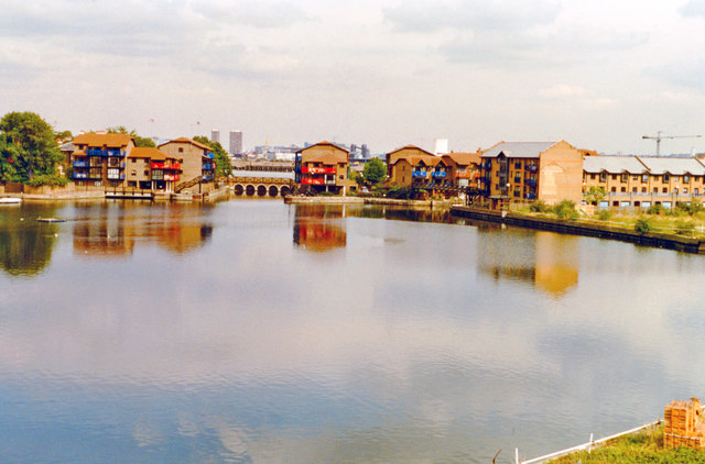 London Docklands Development, 1996: West India Dock, Blackwall Basin