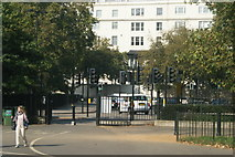 TQ2780 : View of a myriad of traffic lights on Cumberland Gate from Hyde Park by Robert Lamb