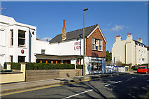TQ0866 : The Red Lion, Shepperton by Robin Webster