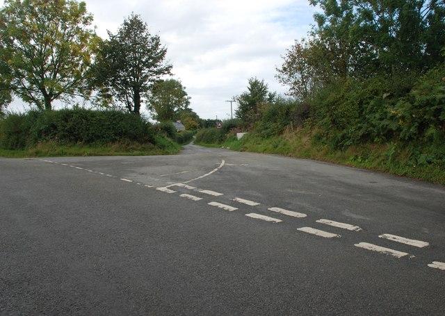 Cyffordd ger Llannor - Junction near Llannor