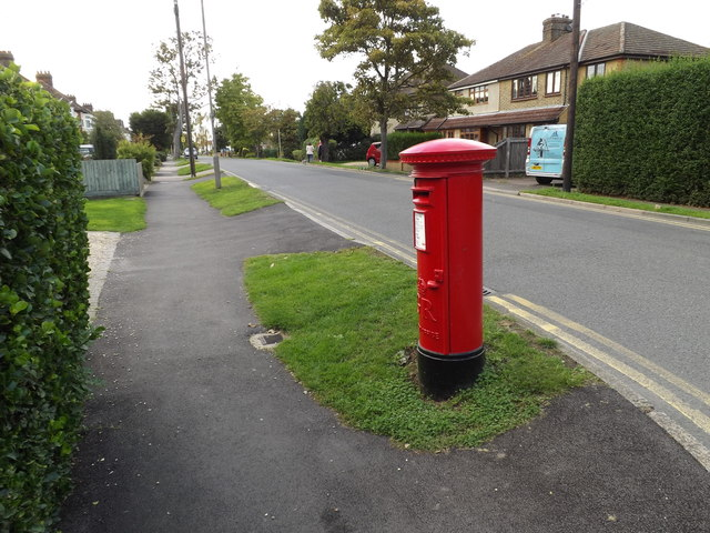 Oliver Road George V Postbox