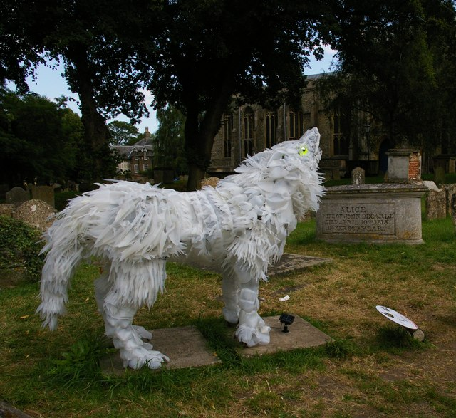 Wolf sculpture, St Mary's churchyard, Bury St Edmunds