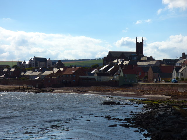 Dunbar:  view inland from Victoria Harbour