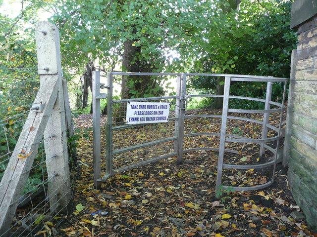 Kissing gate on Brighouse FP93, Rastrick